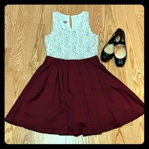 Sleeveless plum summer dress